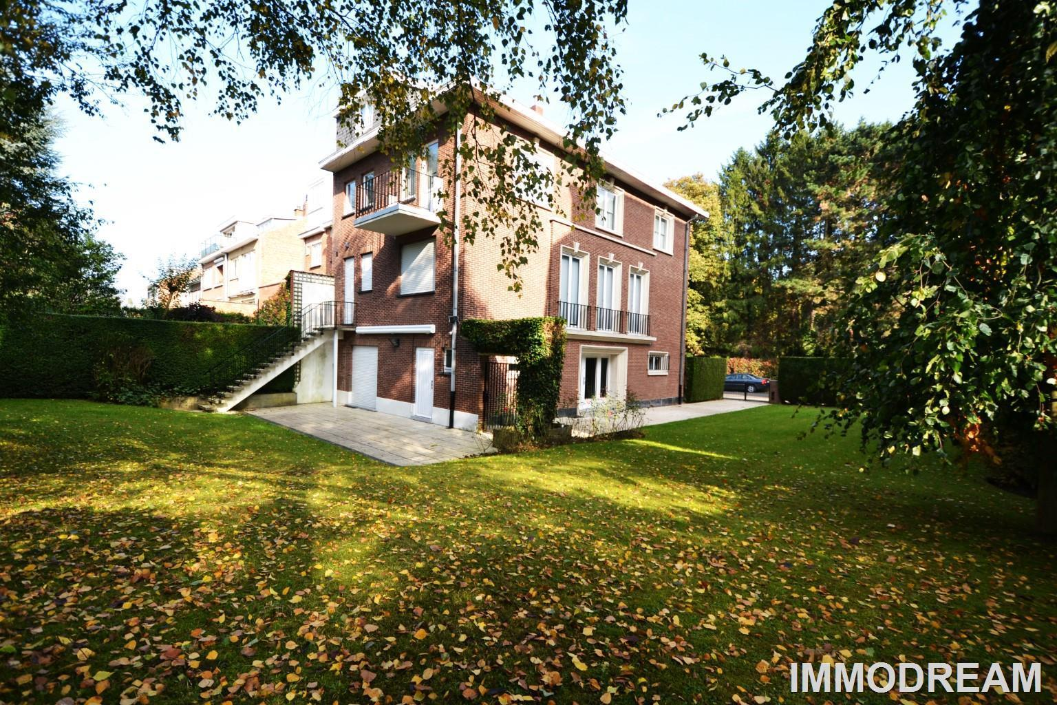 House - Bruxelles - #2815834-0