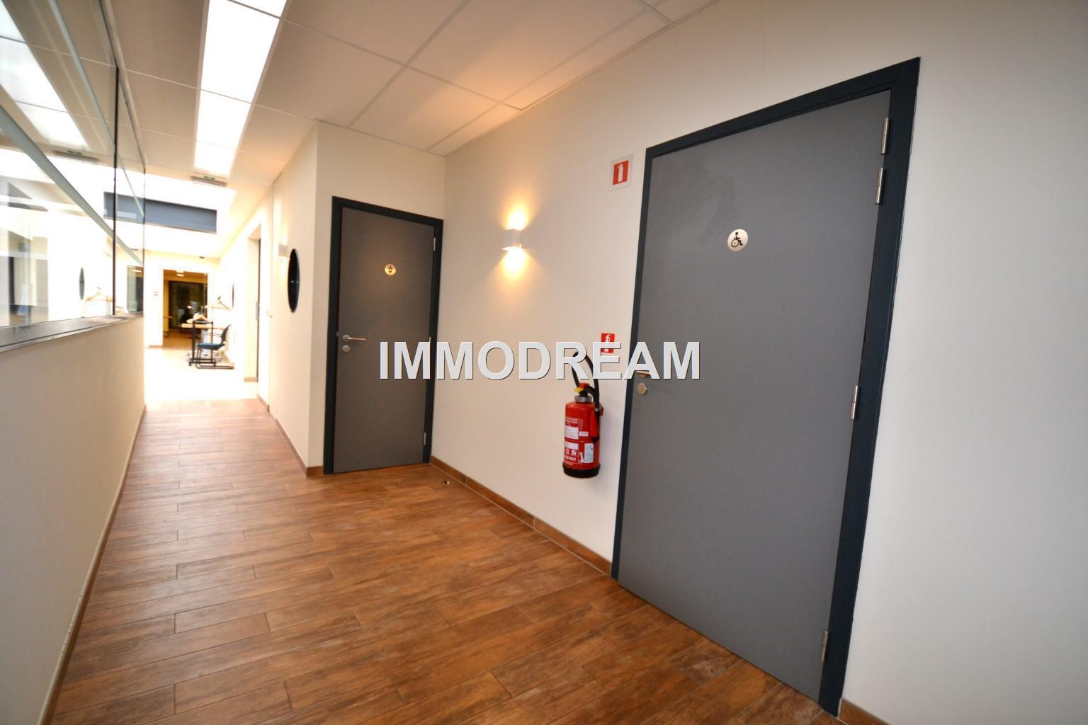 Mixt building off + res. - Woluwe-Saint-Lambert - #4025861-9